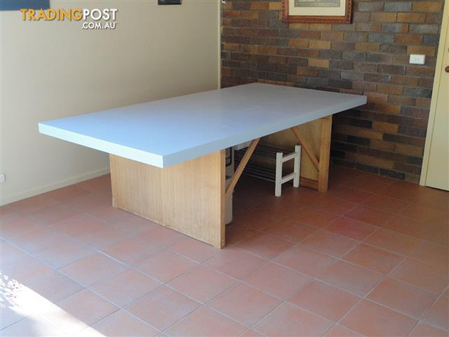 Model train table sized wth multi use for sale in north for Y h furniture trading