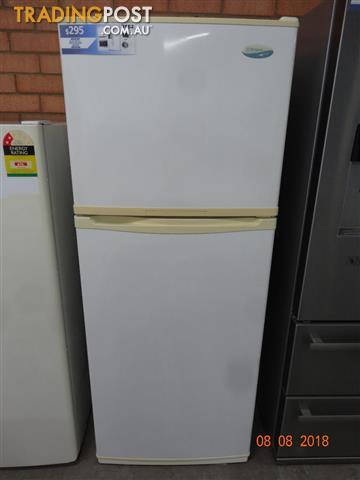 Westinghouse 392l Fridge Freezer For Sale In Rosewater Sa