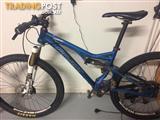 PIVOT mountain bike