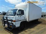 Isuzu NPR400 Pantech Truck