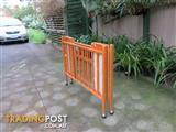 Mobile baby cot