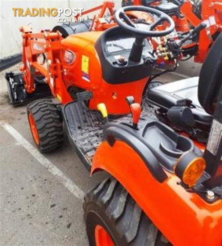 Secondhand-Kioti-CS2610-Tractor-with-New-Heavy-Duty-Backhoe