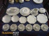 Johnson Bros Dinner Service, 6 place setting (51 pieces)