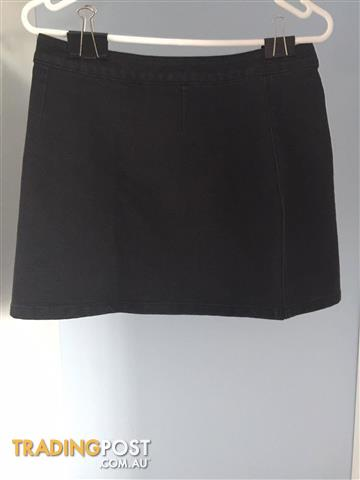 Dotti Black Denim Skirt Size: 10