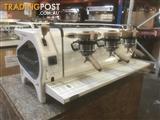 COFFEE MACHINE ESPRESSO 3 GROUP LA MARZOCCO STRADA EP USED NO MAZZER GRINDER