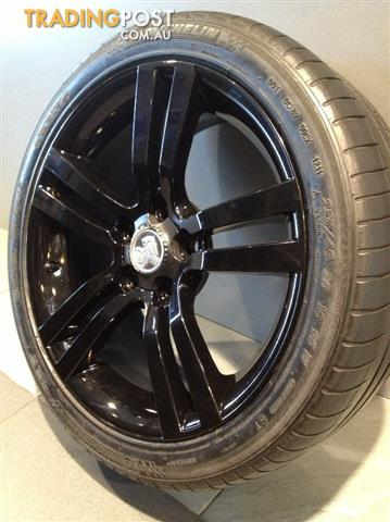 HOLLDEN-VE-SS-BLACK-18INCH-GENUINE-ALLOY-WHEELS-TYRES