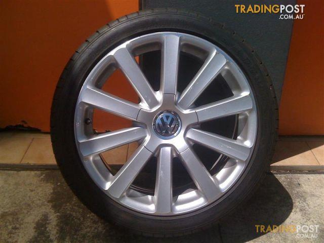 vw golf r32 18 inch genuine alloy wheels for sale in carramar nsw vw golf r32 18 inch genuine. Black Bedroom Furniture Sets. Home Design Ideas