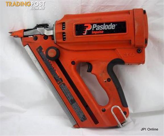 Paslode Impulse 30 Framing Nailer In Case