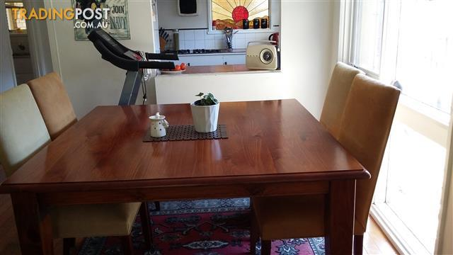 Solid pine table and 8 Chairs