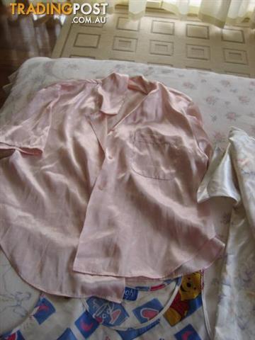 Women Good Quality Sleeping Wear sz 10-12-M- Much More