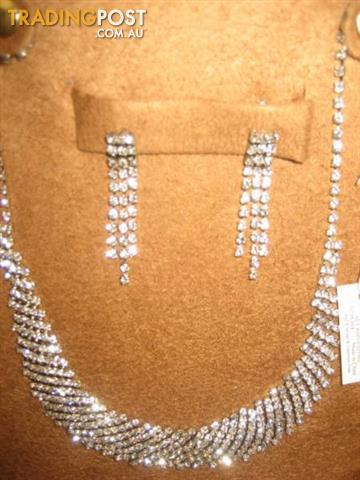 Necklace & Earrings Rhinestone