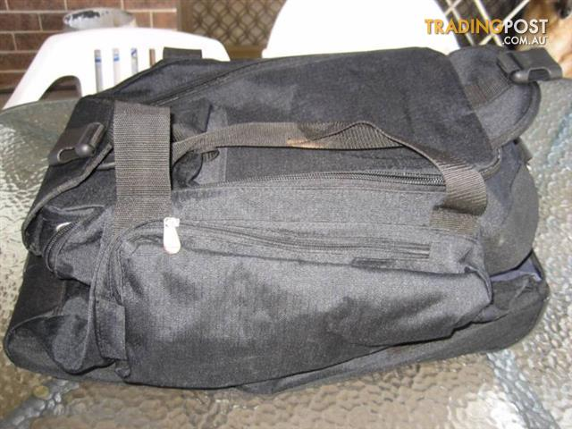 Rolling Upright Duffel Bag with Many Pockets