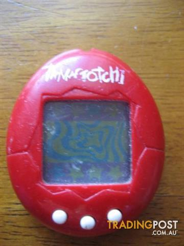 BANDAI 1997 TAMAGOTCHI Red