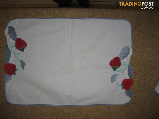 4 small hand made tablecloth
