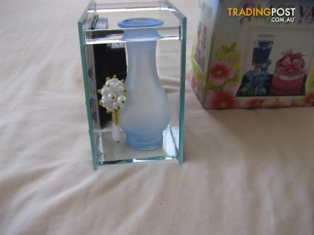 Glass Mirror Vase picture