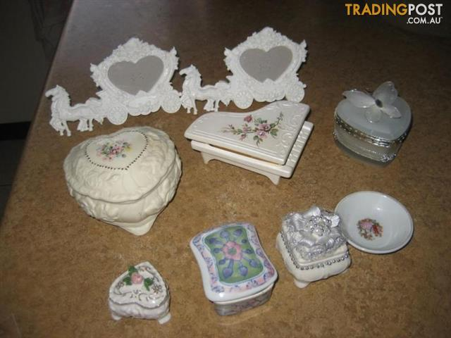 Vintage Berger Porcelain Trinket Jewelry Box - Italy