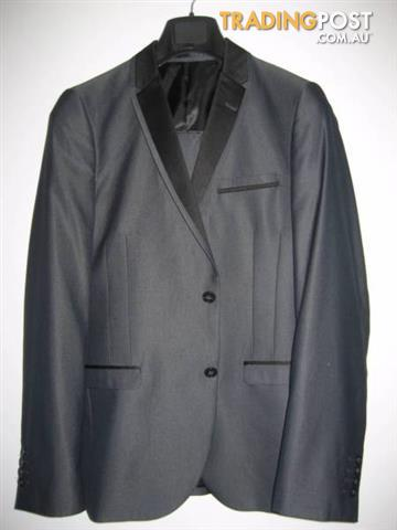 Brand New Muller's Men suit dark Gray - 2pc