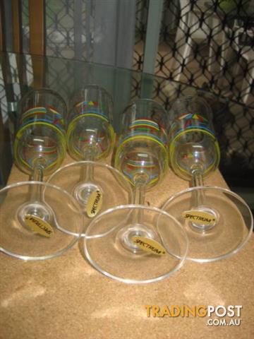4 Spectrum cups