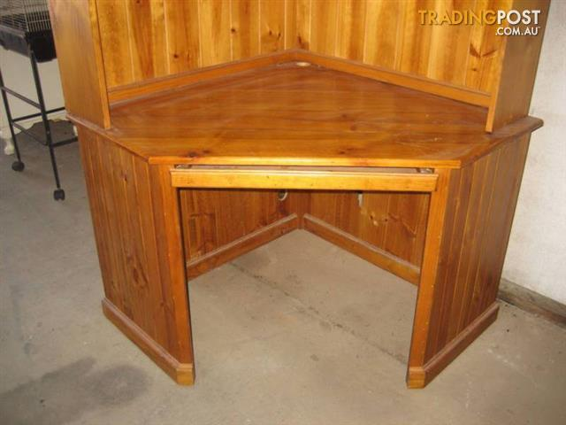 Big Corner Wood Desk With Hutch