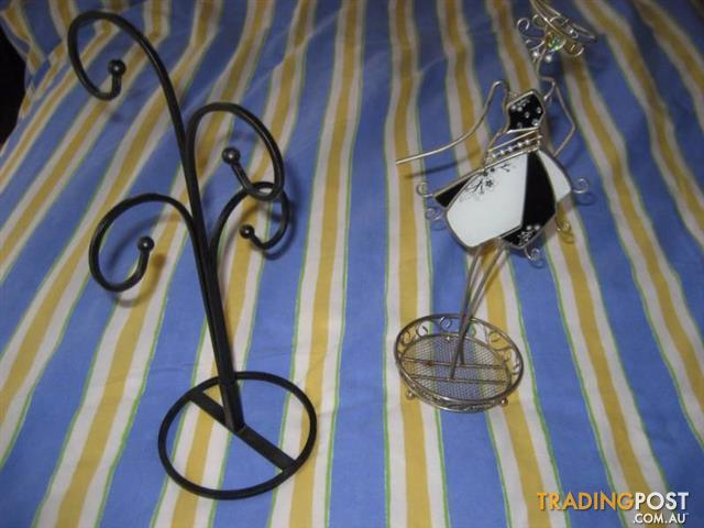 2 JEWELRY STANDS JEWELLERY TIDY