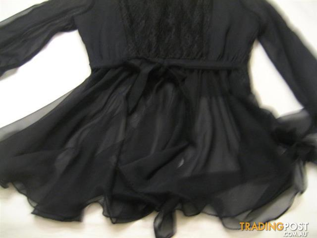 Women's black Blouses sz 40