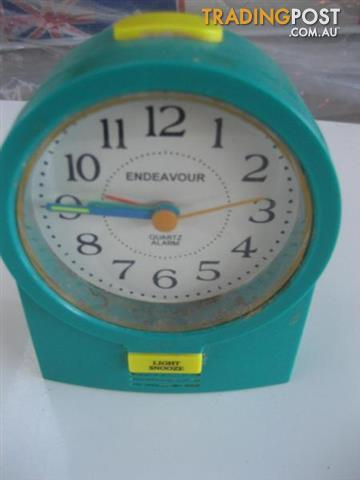 Endeavour bedside clock & Alarm with light snooze
