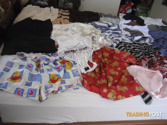 Over 30 PCS Of Women Cloth In A Good Conditions