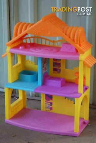 Cute DOLLS HOUSE
