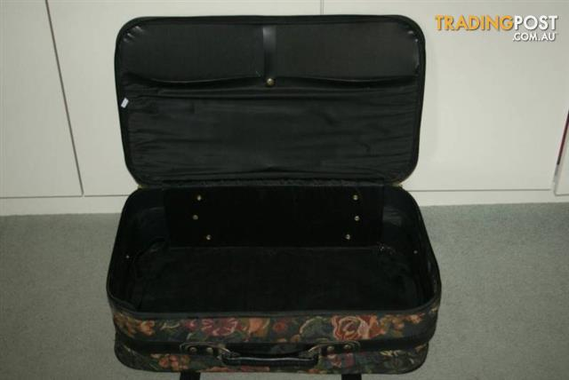 VINTAGE TAPESTRY SUITCASE LUGGAGE CARRY CASE