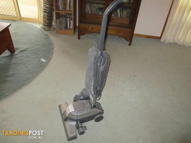G4 KIRBY VACUUM CLEANER & Attachments Shampoo