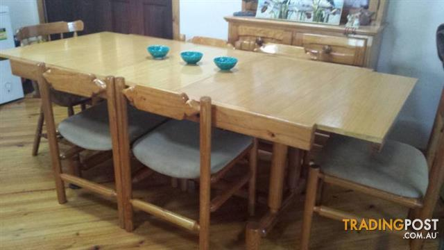Large EXTENSION DINING TABLE & 6 chairs $110.00