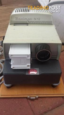 PAXIMAT SLIDE PROJECTOR BRAUN NURNBURG W. Germany