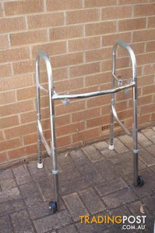 ELDERLY WALKING FRAME Disability Walker wheels