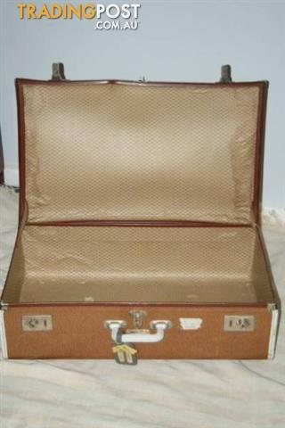 VINTAGE RETRO EVERLITE SUITCASE Travel LUGGAGE Tan Fibre CASE