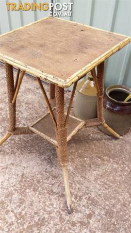 Antique Vintage CANE Bamboo side lamp TABLE