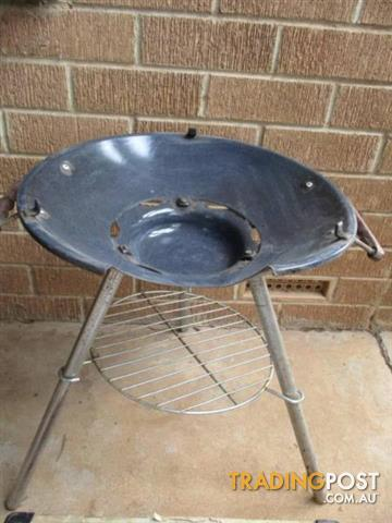 Vintage Retro Portable BBQ SUPERCHEF with carry CASE
