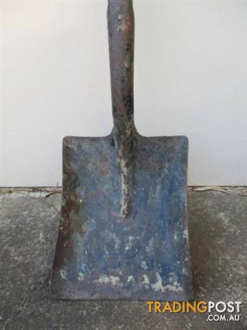 Vintage GARDEN coal SHOVEL