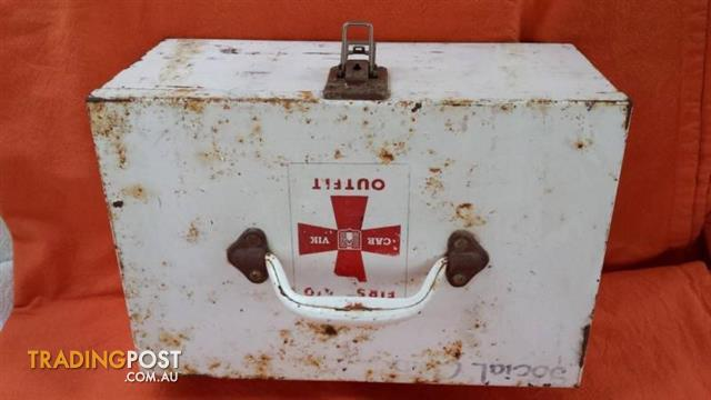Vintage FIRST AID KIT OUTFIT Metal box medical