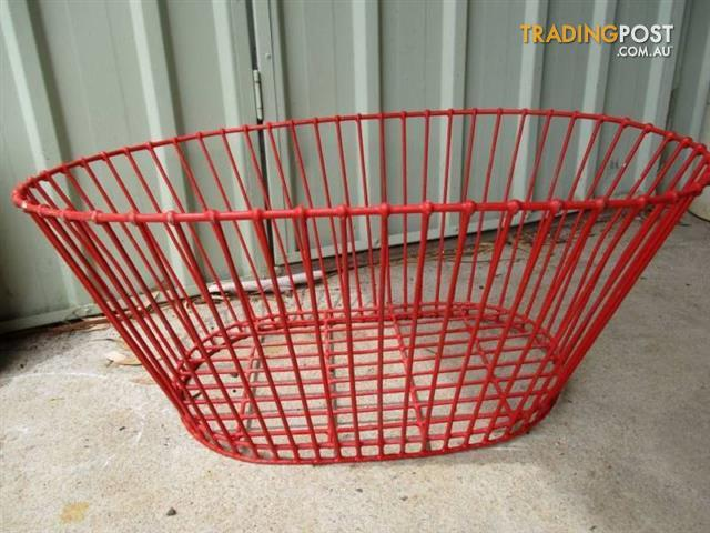 Retro METAL LAUNDRY BASKET Washing 50s Red plastic Industrial