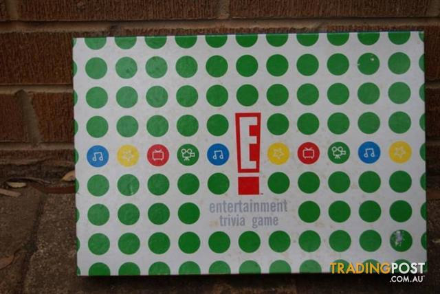 ENTERTAINMENT TRIVIA BOARD GAME
