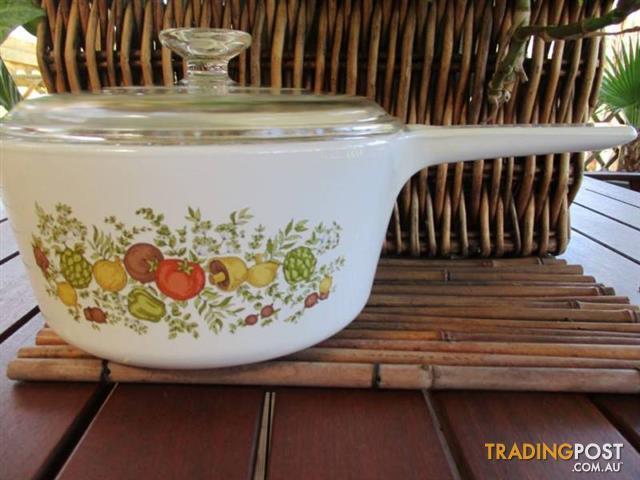 CORNINGWARE SAUCEPAN & Lid Vintage Pot