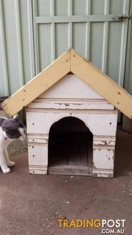 Wooden Dog Kennel small