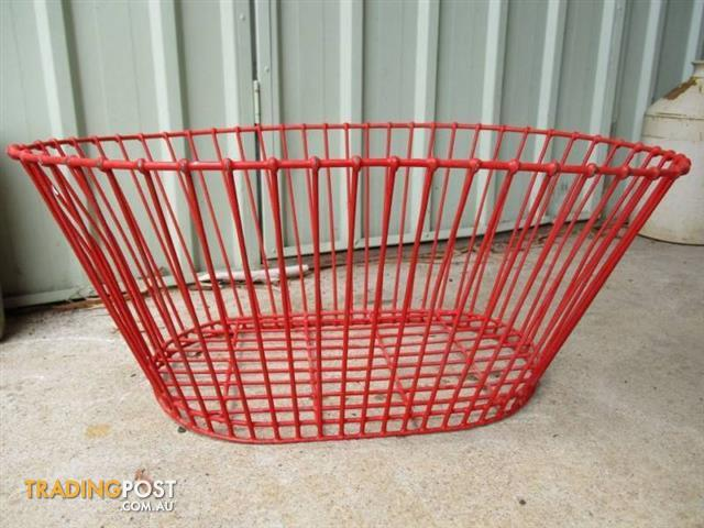 Retro LAUNDRY BASKET Washing 50s Red plastic Metal Industrial