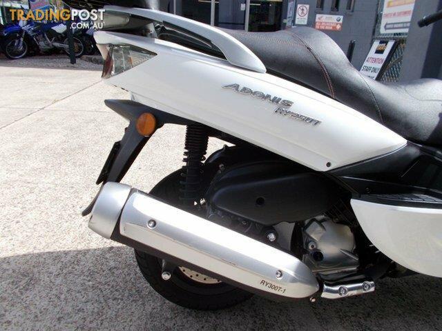 2015-Riya-RY300T-Adonis-300CC-Scooter