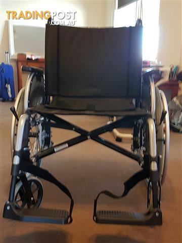 Otto Bock Extra Wide Bariatric XXL self-propel Wheelchair