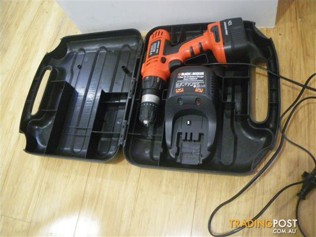 BLACK & DECKER HP126F2K DRILL CHARGER & BATTERY