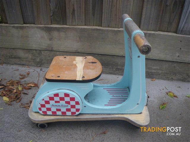 INDIGO JAMM JAMM SCOOT AQUA RACER BABY TODDLER 4 CASTOR WHEEL RIDE ON