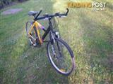 """DUNLOP TYPHOON CYCLING MOUNTAIN BIKE 21 SPEED BICYCLE 26"""" TYRES FRONT SHOCKS"""