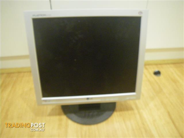 """LG FLATRON L1717S-SN 17"""" LCD TFT MONITOR L17NS-8 WITHOUT CABLES"""