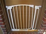 DREAMBABY F160 CHELSEA SWING SHUT SAFETY GATES BABY GATE PET GATE & MOUNTING BOLTS